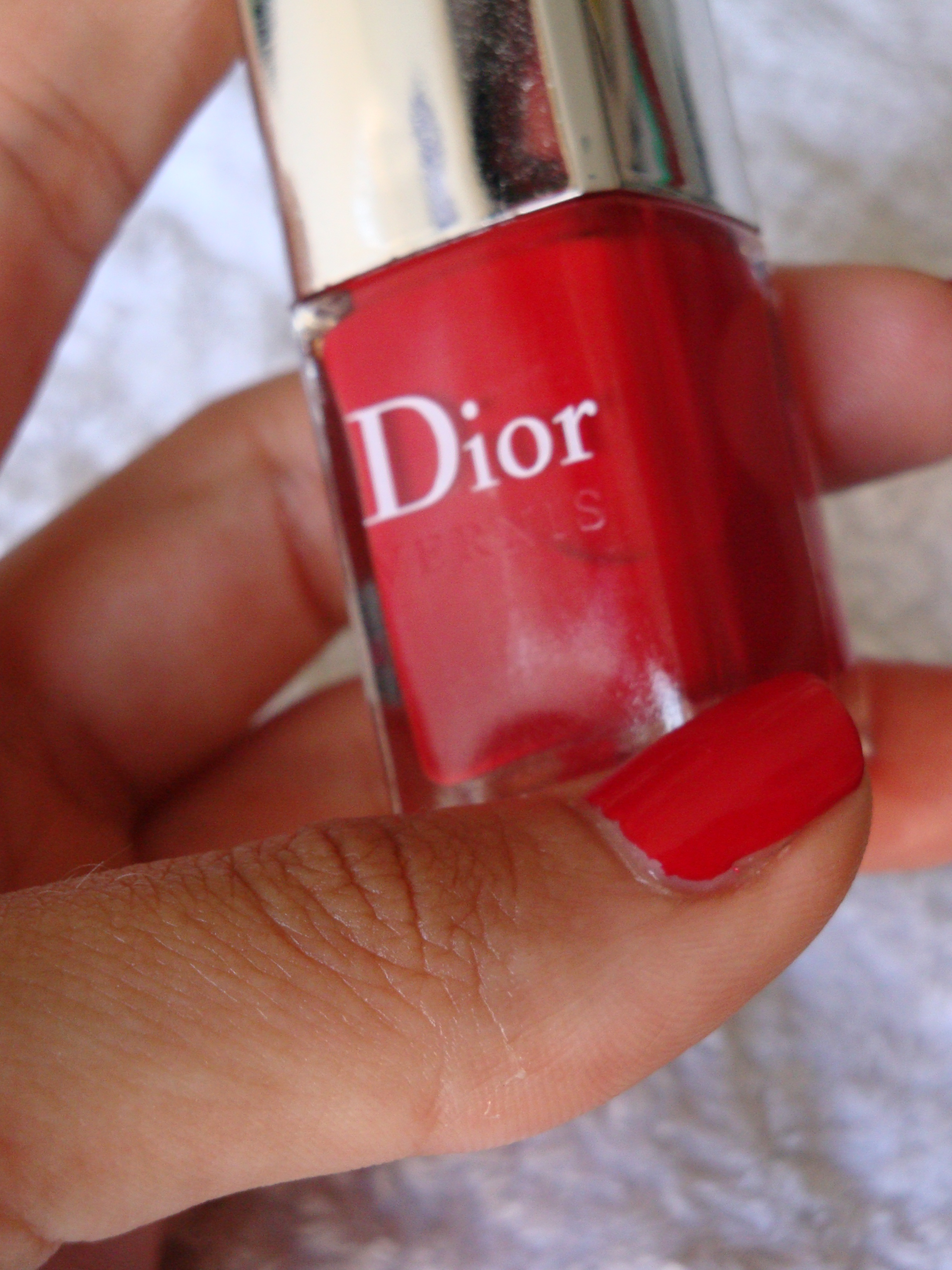 Dior le vernis #999 red royalty swatches