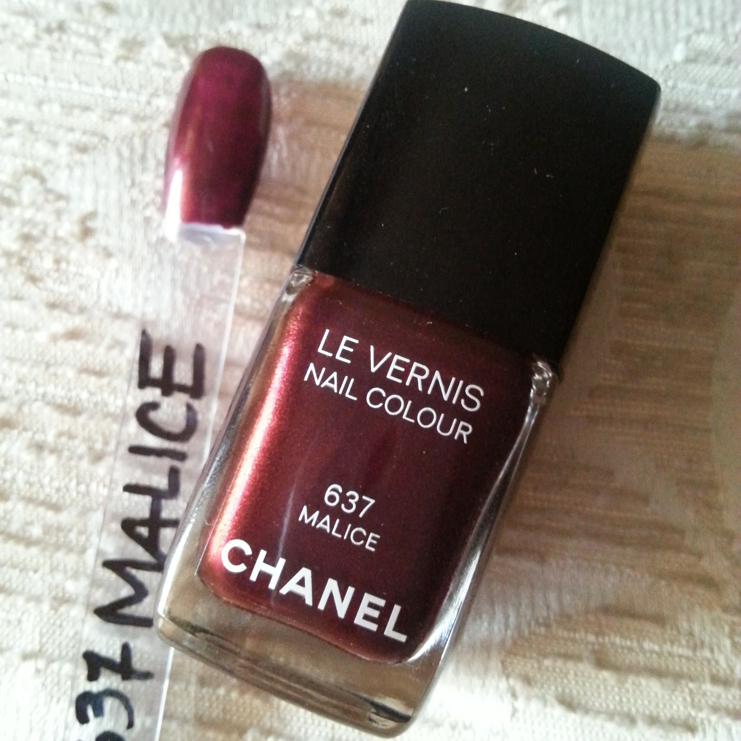 Chanel le vernis n. 637 Malice - swatch