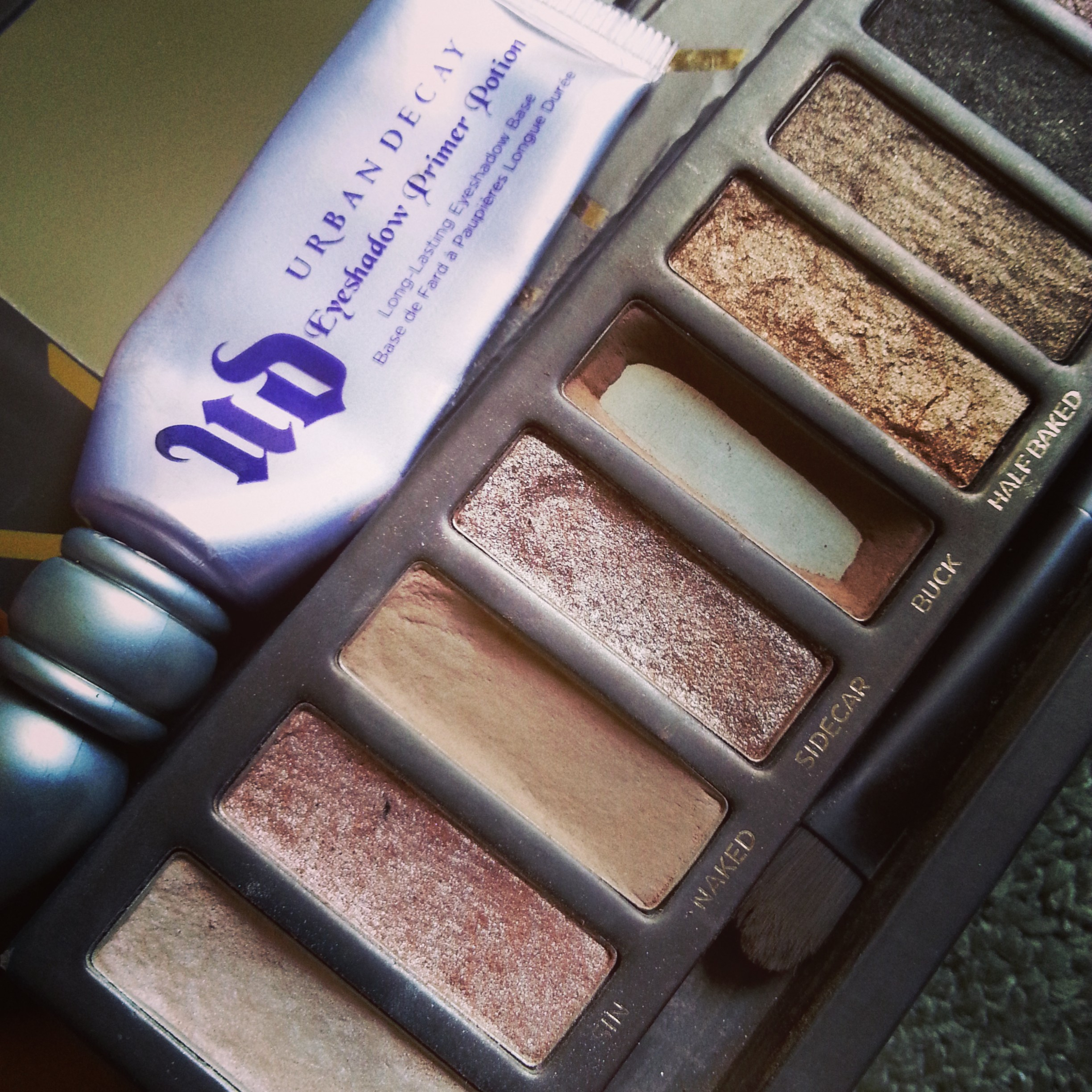 Naked 1 + Urban Decay Primer Potion