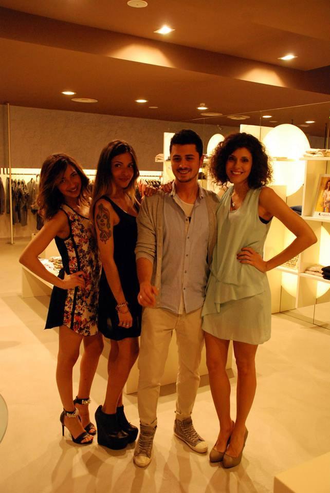 Insieme alle due modelle Giulia e Thais e con Antonio, responsabile dei clienti Caipirinha per la Toscana.