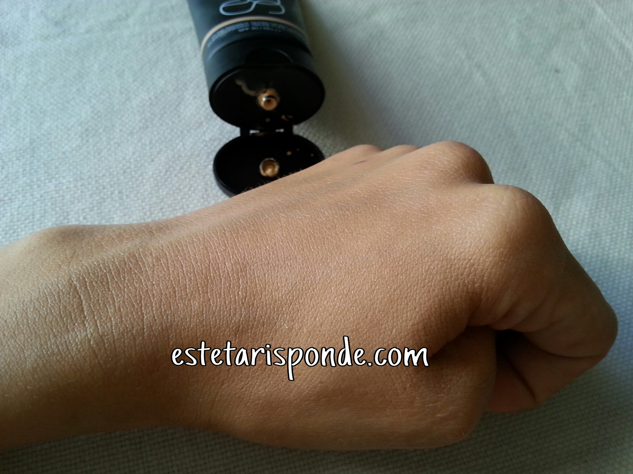 NARS BB cream Pure Radiant St. Moritz swatch